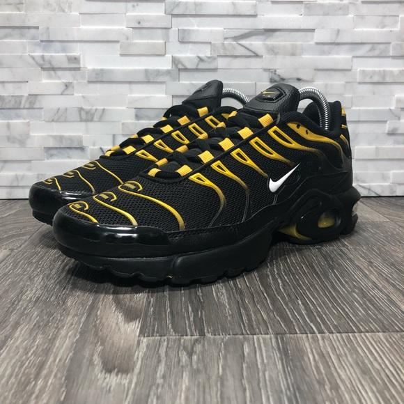 Nike Air Max Plus TN Black & Yellow NWOT Womens 8